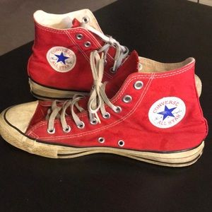 🦖Red converse high tops Men's size 9